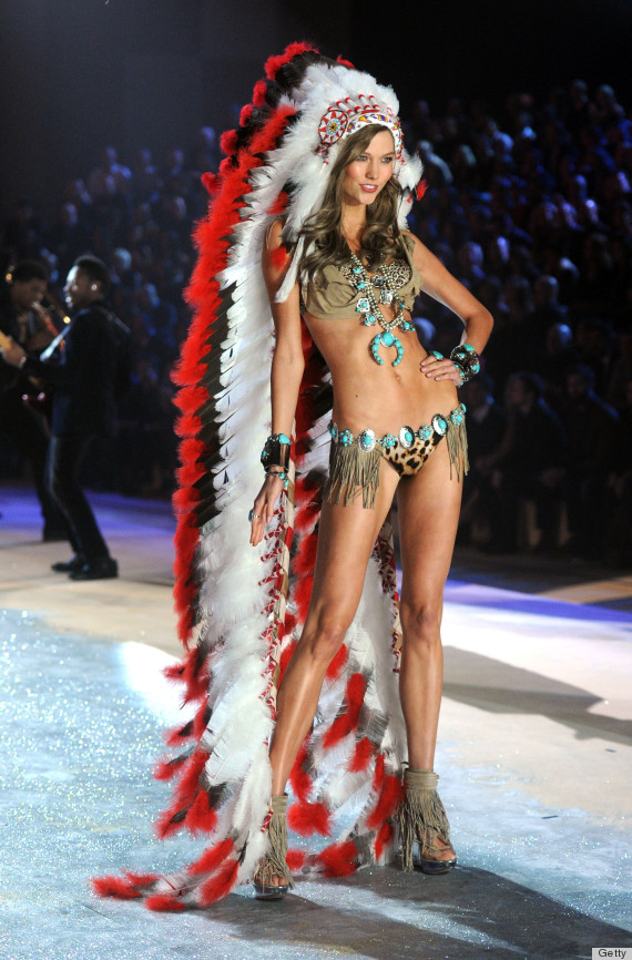 Karlie Kloss Wears Native American Headdress At Victorias Secret Fashion Show